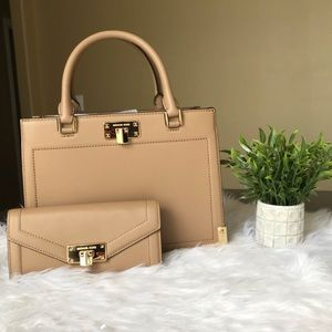 Michael kors kinsley satchel with matching wallet